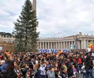 Giubileo: i bambini degli oratori romani a San Pieto per l'anno santo e la benedizione dei bambinelli