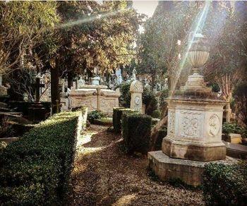 Visite guidate - Cimitero acattolico: le vite, le follie, gli amori