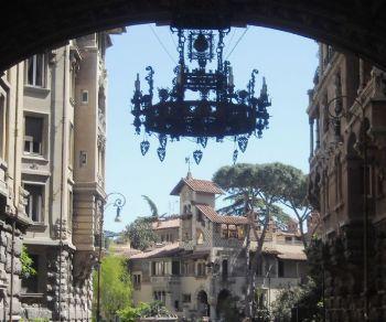 Dal Liberty all'Art Decò, dal Barocco al Manierismo, dal Medioevo alla Grecia antica