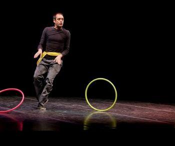 L'esilarante e intelligente monologo inaugura le piraterie di Teatri d'Arrembaggio 2018