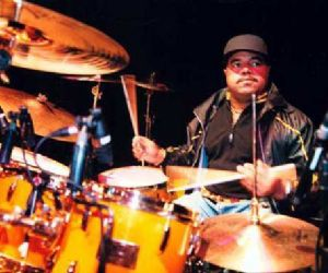 Concerti: Dennis Chambers in concerto