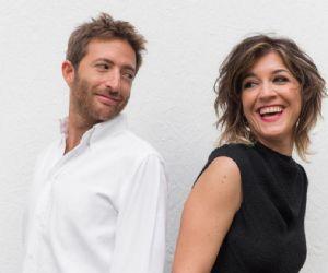 Laura e Valerio sono i protagonisti di una storia d'amore molto, molto particolare...