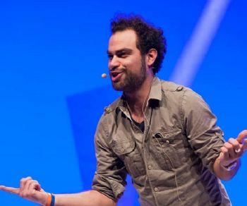 Spettacoli - Andrea Perroni in 'Dal Vivo'