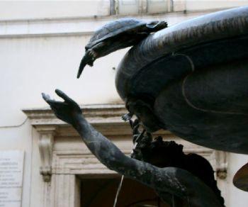 Visita al Rione Sant'Angelo: trasformazioni, storia e personaggi