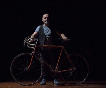 """Un omaggio a Pantani, """"Il Pirata"""" leggendario vincitore del giro d'Italia"""