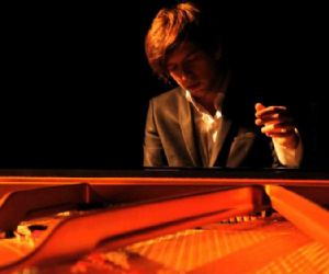 Piano Solo Concert Tour