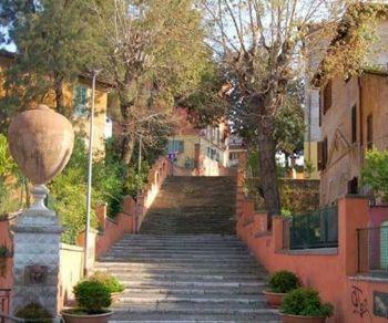 Una domenica sera alla scoperta di uno tra i più affascinanti quartieri di Roma