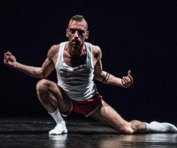 Sette coreografie in concorso che si contenderanno i premi finali, consegnati alla presenza di Luciana Savignano