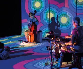 Il gruppo offre ad ogni bambino la possibilità di sperimentare il potere della musica dal vivo