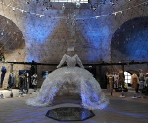 Una grande mostra celebra l'acqua attraverso la creatività