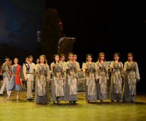 Il più rinomato gruppo di danza e musica armena