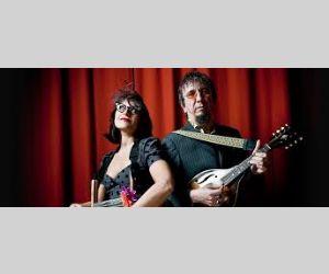 Veronica Sbergia e Max De Bernardi sono un frizzante duo di country-blues