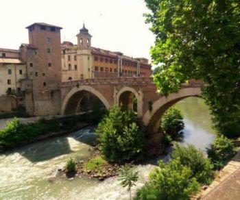 Locandina: L'isola Tiberina: storia, leggende e tradizioni