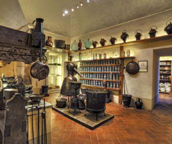 Visite guidate: Antica Farmacia Spezieria di Santa Maria della Scala