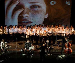 Uno spettacolo musicale che coinvolge circa 50 artisti