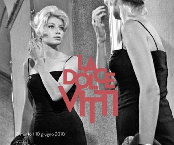 In una grande mostra fotografica le vite, le svolte, lo stile, i film di Monica Vitti, l'attrice e la donna nel cuore dell'immaginario del pubblico italiano