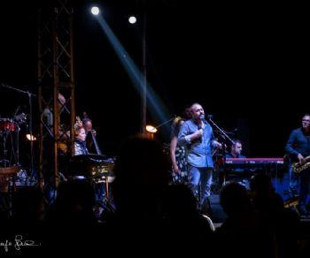 Concerti: Omaggio a Pino Daniele con Gente Distratta & Tony Esposito