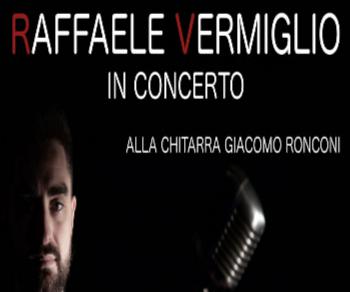 Accompagnato alla chitarra da Giacomo Ronconi