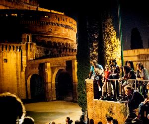 Il Festival che coinvolge nuove drammaturgie, nuovi spettacoli, performance, installazioni
