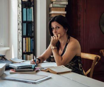 Spettacoli: Dialogo con Lucia Calamaro, omaggio a Giacomo Verde e Asia Argento a Radio India