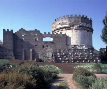 Ingresso nel Mausoleo di Cecilia Metella nel Castrum Caetani e nelle Terme di Capo di Bove