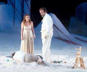 Tre repliche della tragedia di Seneca con la regia di Paolo Magelli