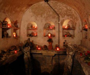 Visite guidate - L'Isola Tiberina e la cripta dei Sacconi Rossi