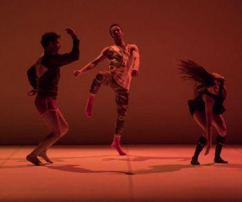 Un sistema coreografico pensato per un numero variabile di interpreti