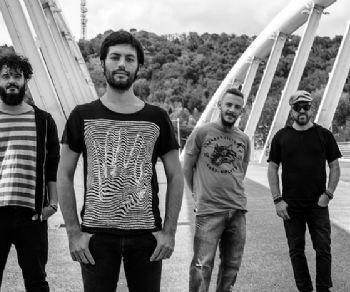 Locali - Modular in concerto al Batucada