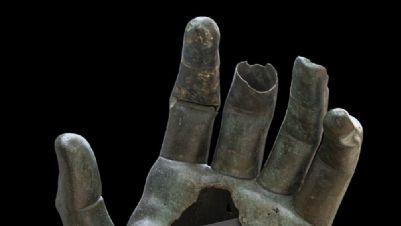 Mostre - Ricomposta la mano del Colosso di Costantino