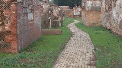 Visite guidate - I misteri della necropoli nascosta di Portus