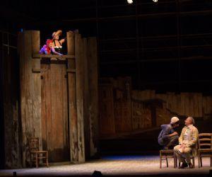 "La commedia scritta da Carlo Goldoni ispirata alla ""Verdad sospechosa"" dello spagnolo Juan Ruiz de Alarcón"