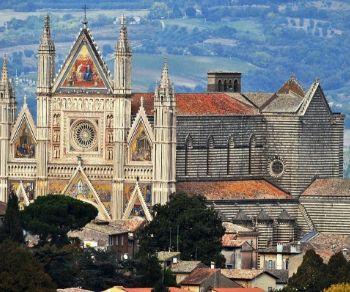 Visite guidate - Orvieto: il Duomo, il pozzo e la città sotterranea (gita in pullman da Roma)