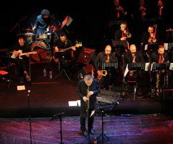 Con la partecipazione di Javier Girotto al sax e la Saint Louis Big Band diretta da Antonio Solimene