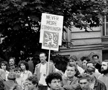 Mostre - 1989. Rivoluzione di velluto