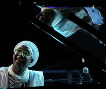Concerti: B-Black, Viaggio a Cuba