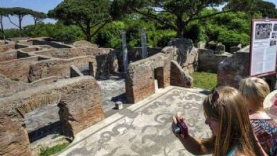 Attività - Corso Roma Antica - 4 lezioni itineranti negli scavi di Ostia Antica