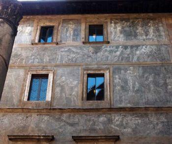 Storia delle facciate dipinte tra i rioni Ponte e Parione