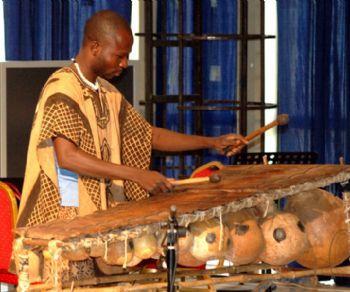 Rassegne - Trittico Afro
