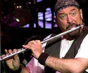 Ian Anderson arriverà con il suo flauto e la consueta dose di geniale follia