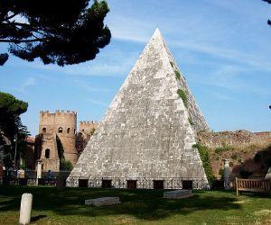 Apertura e visita guidata all'interno della Piramide a cura dei volontari FAI