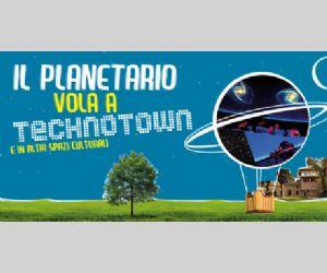 Planetario gonfiabile a Technotown nel villino medievale di Villa Torlonia