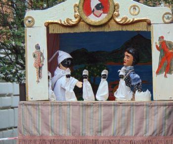 Spettacoli - Pulcinella e il fagotto stregato