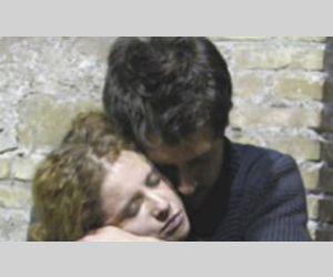 Un uomo, una donna – ancora giovani, molto innamorati, complici nella vita e nei pensieri