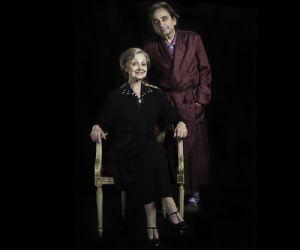 Milena Vukotic e Antonello Avallone intepretano i ruolo di madre e figlio in una commedia a due personaggi