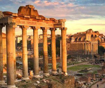 Passeggiata storico-culturale dalla valle del Colosseo al Campidoglio attraversando i Fori Imperiali