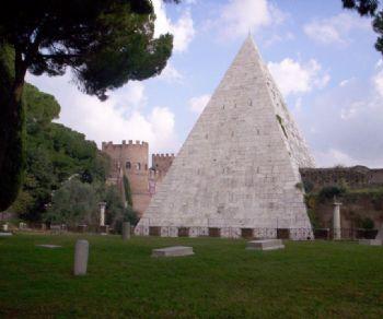 Visite guidate: La Piramide Cestia: visita interna