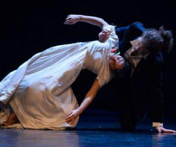 Spettacoli - Romanza, trittico dell'Intimità