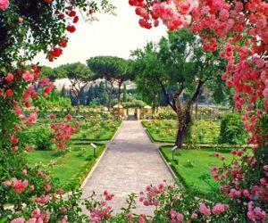 Di fronte al Palatino, in uno scenario unico, si potranno ammirare 1100 specie di rose