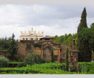 Visite guidate: Il Presepe vivente di Santa Croce in Gerusalemme, il Palazzo del Sessorio e l'Anfiteatro Castrense